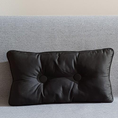 2 Buttoned - rectangular - black