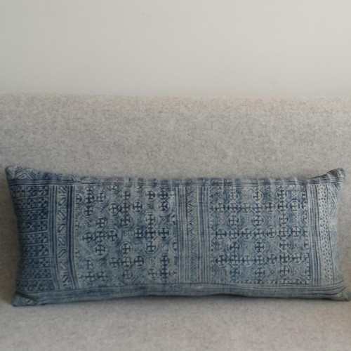 Print - long- rectangualr - cushion - blue