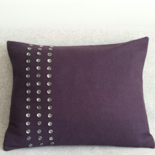 Felt with Buttons - cushion - rectangular - aubergine