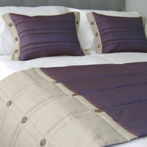 Coco Button bed runner - Aubergine