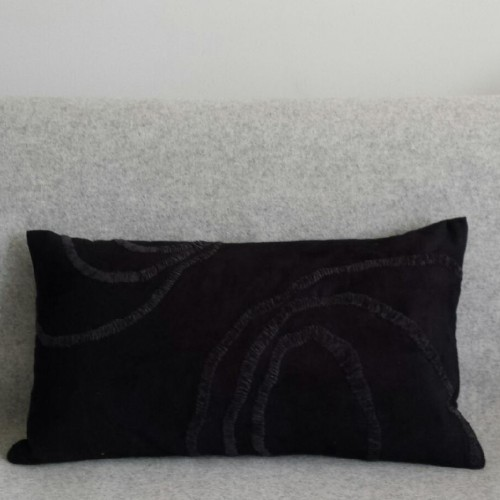 Curves - rectangular - cushion - black