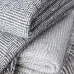 Optic Throw - pure new wool