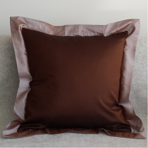 Oxford Edge - square - cushion - chocolate