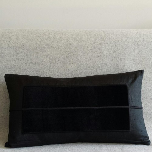 Panel - rectangular - cushion - black
