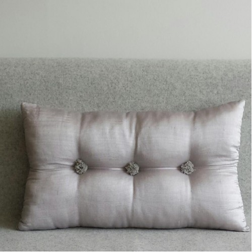 Tufted Cushion - rectangular - Silver