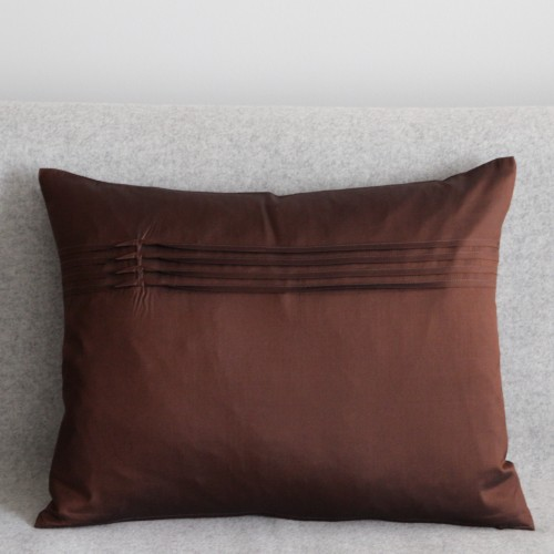 Twisted Pleat - cushion - rectangular - chocolate