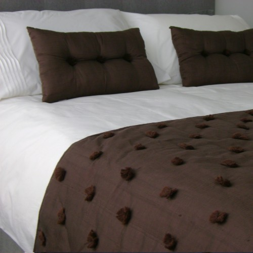 Tufted Bed Runner - Chocolate